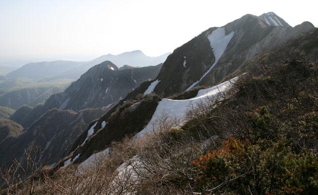 大山の山頂稜線