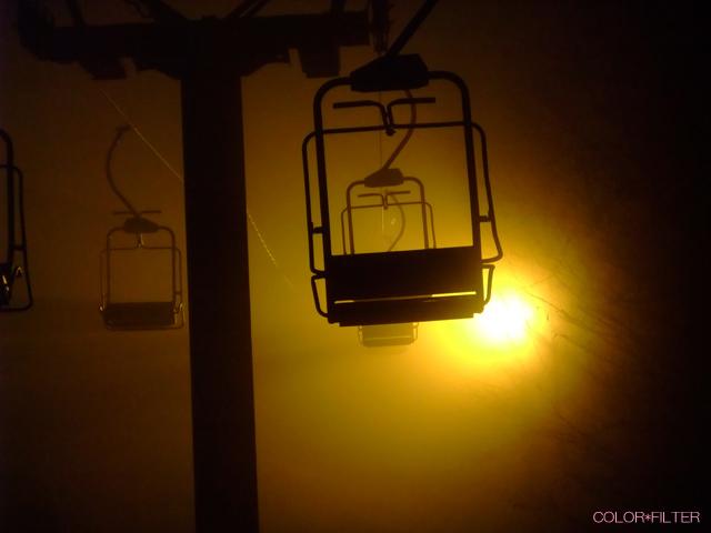スキー場のナイターリフト