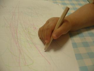 きちんと鉛筆を持てるのは、すごいでしょ?