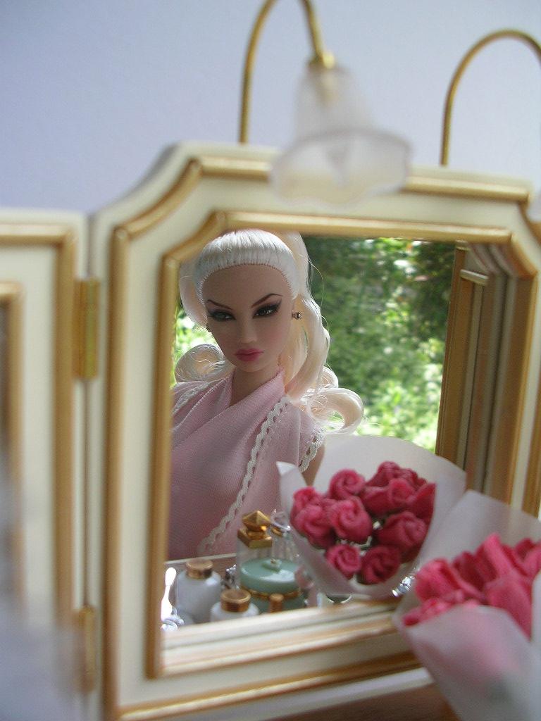 鏡の中のキヨリちゃん。