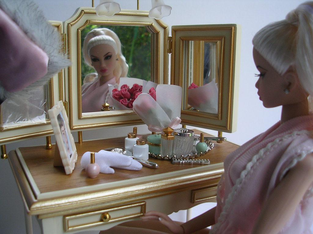 鏡とキヨリちゃん。