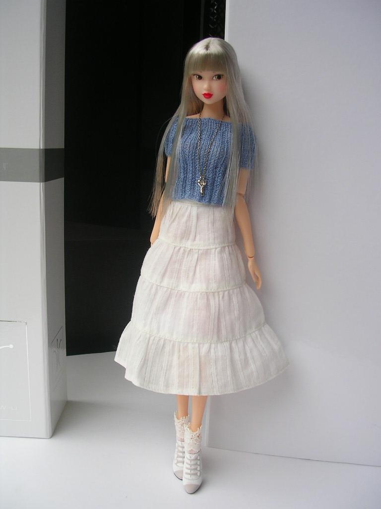 Tin Girl3
