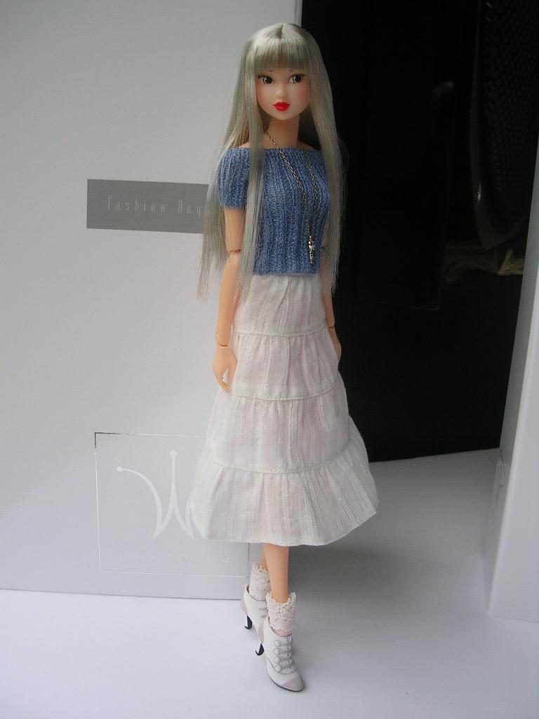 Tin Girl5