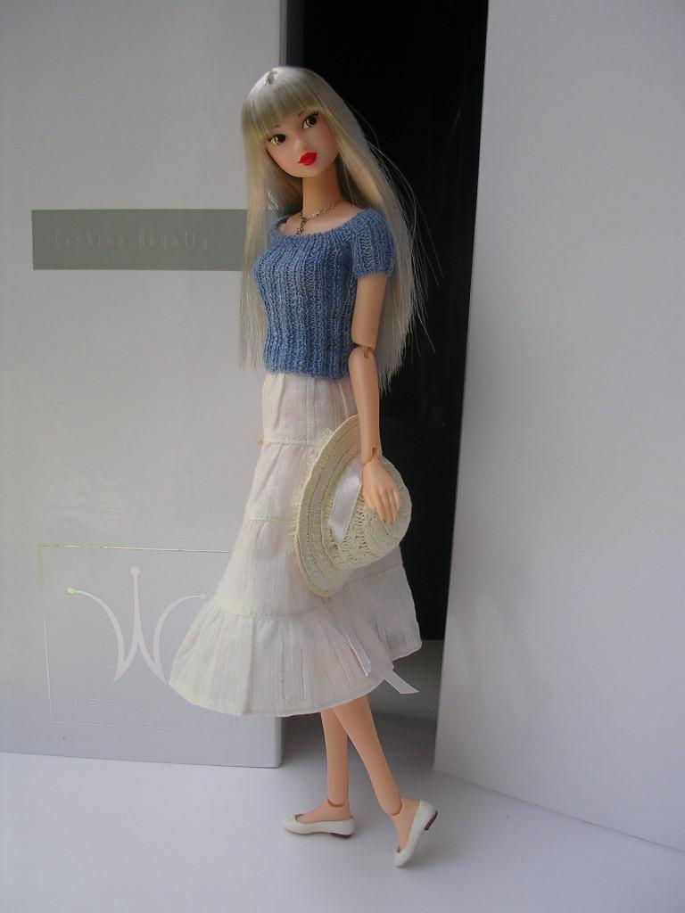 Tin Girl12