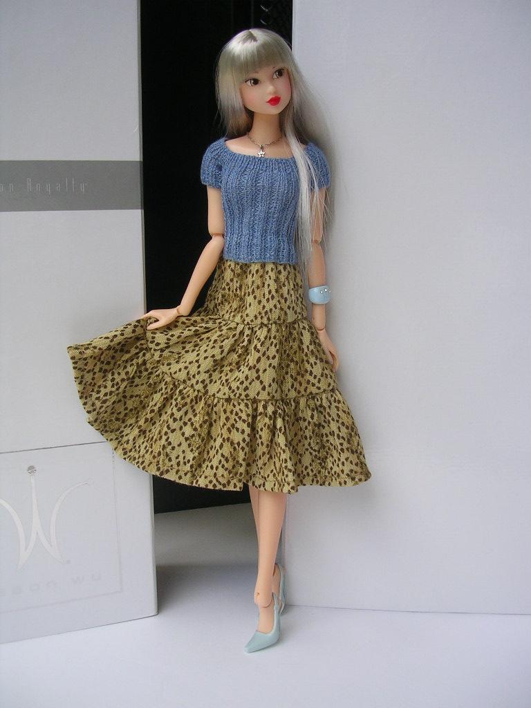 Tin Girl15