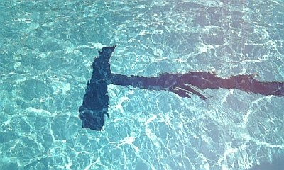 プールの水