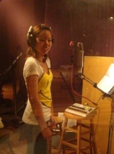 Mayu singing