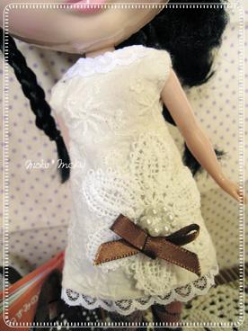 白ワンピ02