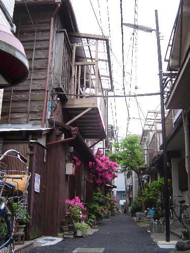 2008・05・02根津の路地04