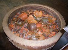 割れた土鍋