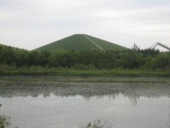 モエレ沼とモエレ山