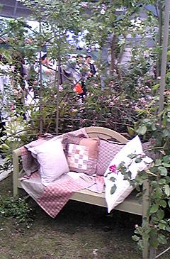 庭でのんびり