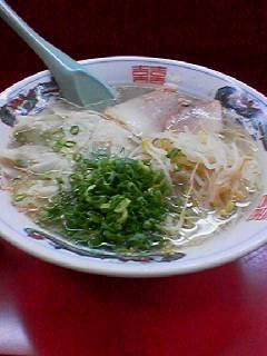 小洞天ワンタン麺