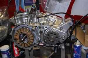 SRのエンジン組み付け2
