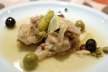 チキンのさっぱり煮 オリーブとレモンの地中海テイスト