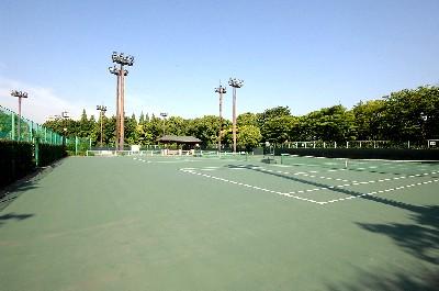 テニスの森