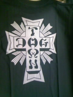 Dog Town Cross logo T 5-3