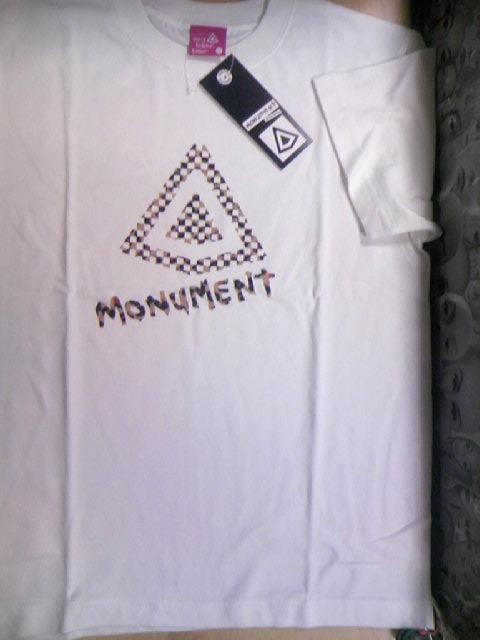 Monument Flocky logo T 1-1z