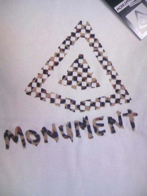 Monument Flocky logo T 1-2z