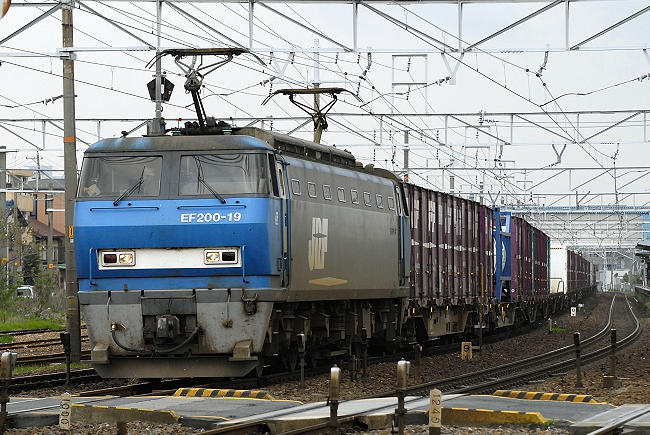 8057レ EF200-19