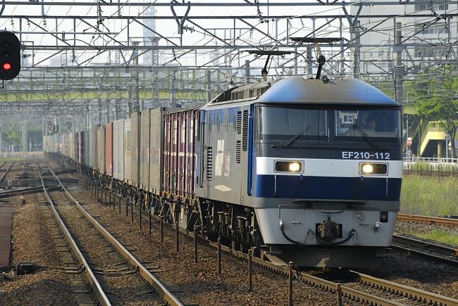 1056レ  EF210-112