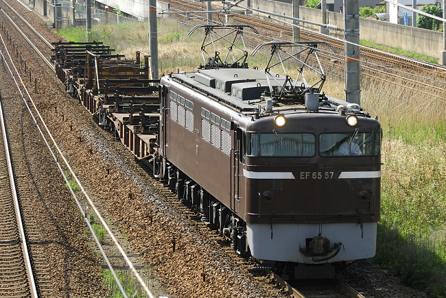 臨8865レ EF65-57