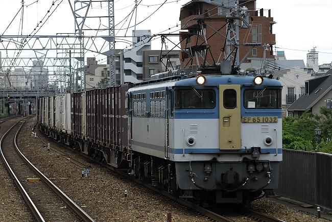 73レ EF65-1032