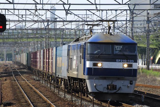 1056レ EF210-123