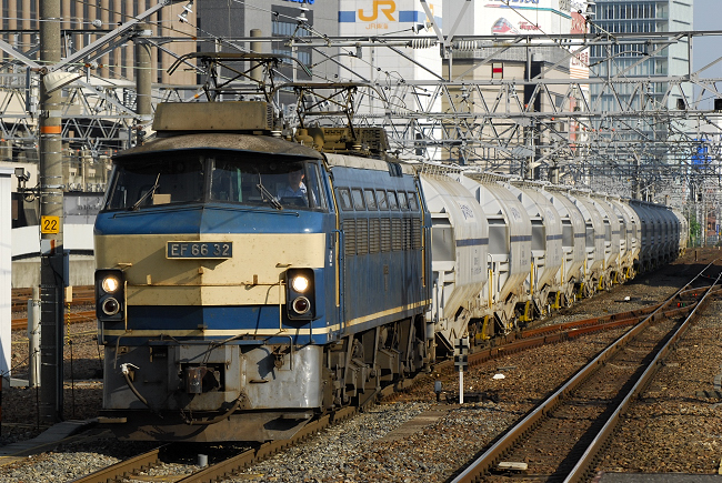 5767レ EF66-32