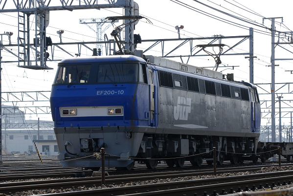 7051レ  EF200-10