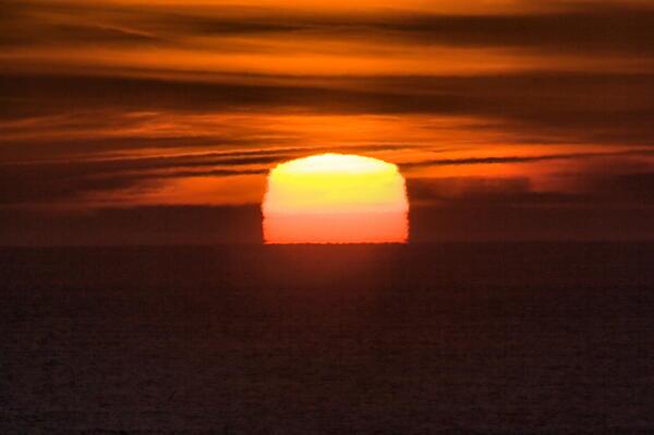 四角い太陽が・・・w