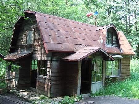 風力発電のある「五郎3番目の家」