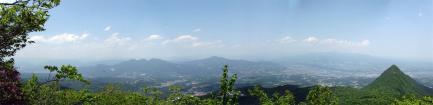 二ツ岳の雌岳山頂からのパノラマ