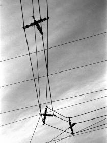電線の十字架?