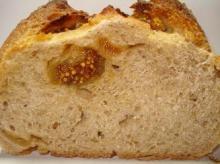 いちじくのライ麦パン断面