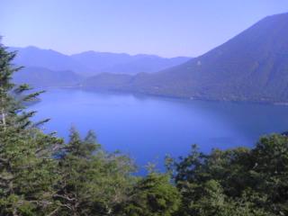 半月山から中禅寺湖