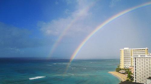 ハワイにて見た双子の虹、家にもかわいい二人の子がいます。