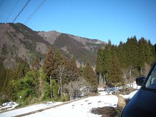 六里山とログ 001