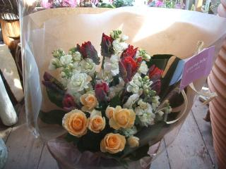 チューリップロココとサラの花束