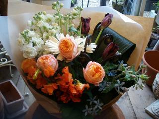 ベビーロマンチカとブラックパーロットの花束