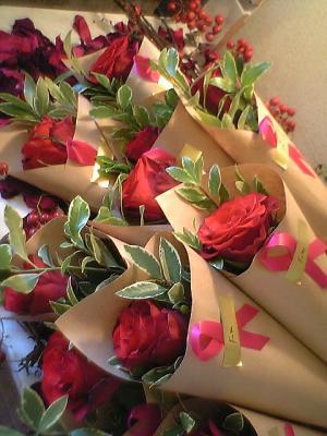 赤バラ1本巻き