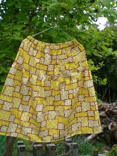 レトロ柄スカート2