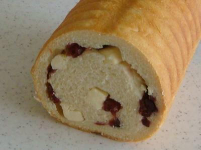 ドライクランベリーとクリームチーズのラウンドパン