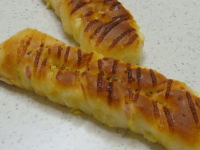 ハムとチーズのスティックパン