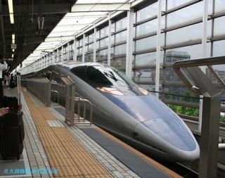 500系新幹線東京行きと博多行き 2
