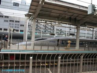 500系新幹線東京行きと博多行き 3