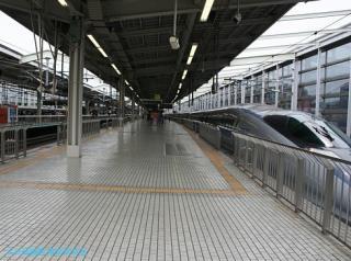500系新幹線東京行きと博多行き 4