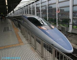 500系新幹線東京行きと博多行き 5