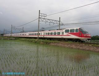 初夏 水面に映える名鉄電車 5