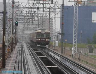 阪急 晩春雨天の車窓 02